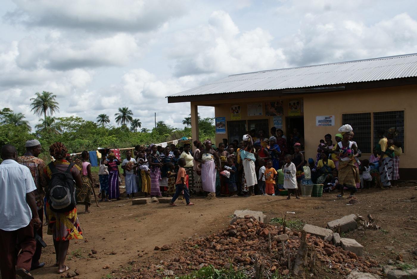 Das Hospital von Serabu soll die notwendige medizinische Versorgung erhalten
