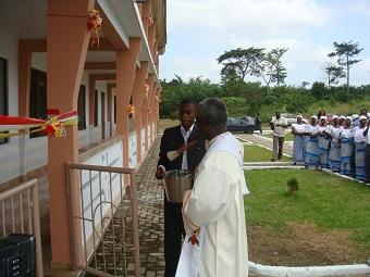 Übergabe der Schule in Kumasi